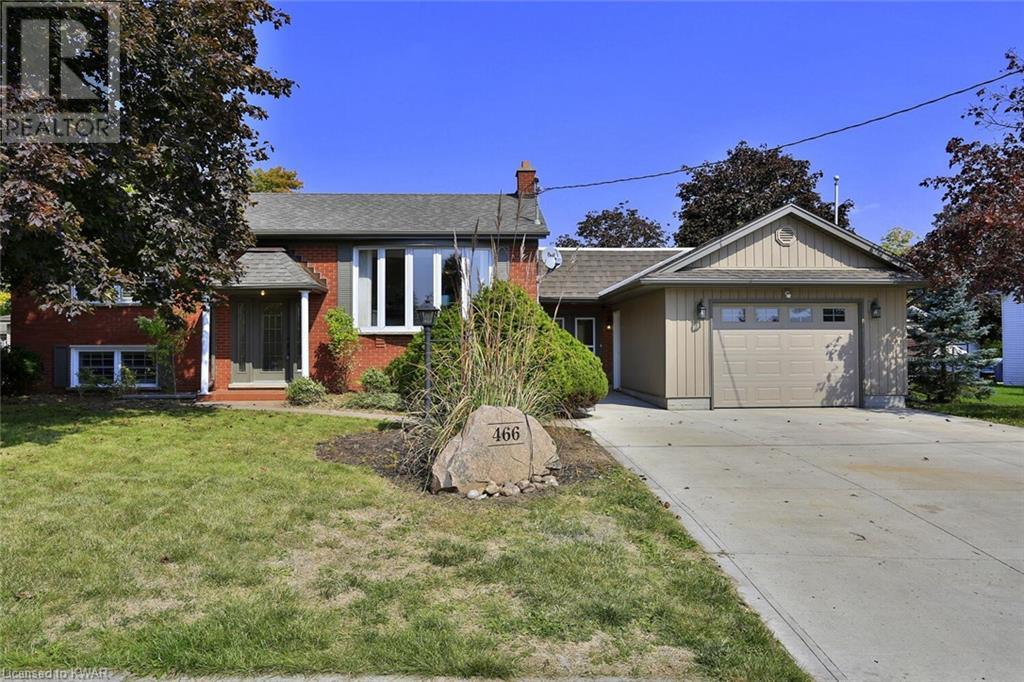 Real Estate Listing   466 HILLVIEW Crescent New Hamburg
